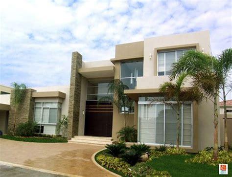 decorar fachadas con plantas como decorar una fachada moderna acogedora