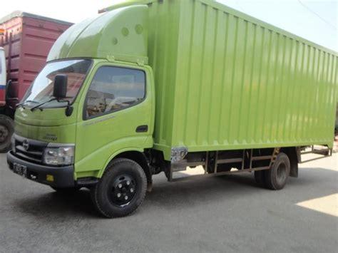 hino dutro  md mdl  ban medium duty truck   diandalkan mobilbekascom