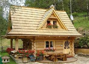 Tiny Cabins Tiny Log Cabin Super Cute On The Inside 171 Country Living
