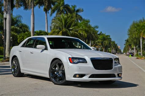 chrysler 300 srt8 pictures 2013 chrysler 300 srt8 picture 528580 car review top