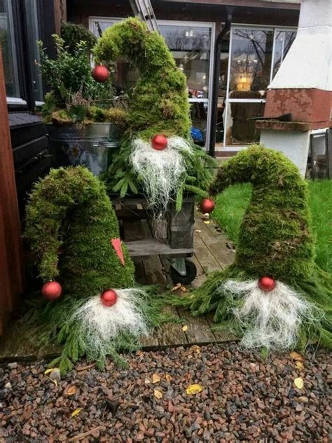 garten weihnachtsdeko weihnachtsdeko f 252 r den garten gnome immergrn and