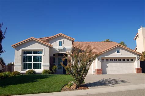 house photos free suburban house house in the suburbs remodeleze com