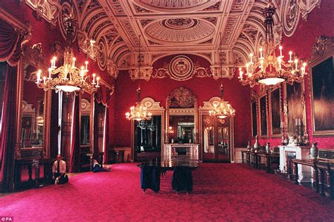 How Many Bedrooms Are In Buckingham Palace by Buckingham Palace Is Top Of The Property Ladder At More