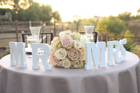 Sweetheart Decorations by Table Vs King S Table Vs Sweetheart Table Wedding