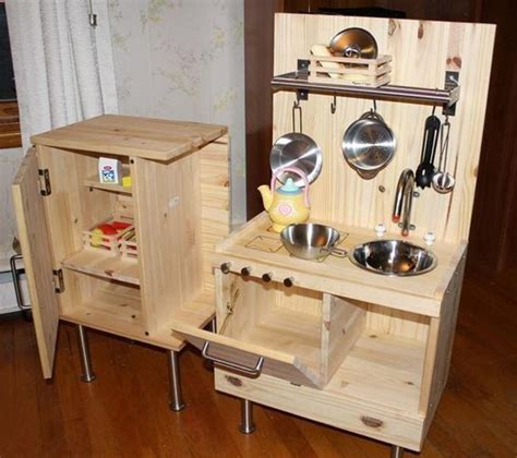 Handmade Play Kitchen - 25 ideas recycling furniture for diy play kitchen designs