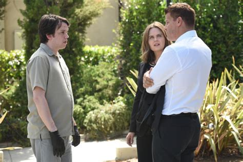 watch bones season 12 episode 11 the final chapter the day in the bones round table why does zack hate booth tv fanatic