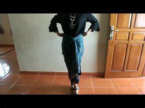 tutorial kain batik paola tambunan cara pakai rok batik lilit simple dan elegan part ii doovi