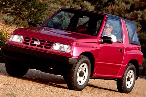how does a cars engine work 1993 geo tracker electronic valve timing 1990 98 geo chevrolet tracker consumer guide auto