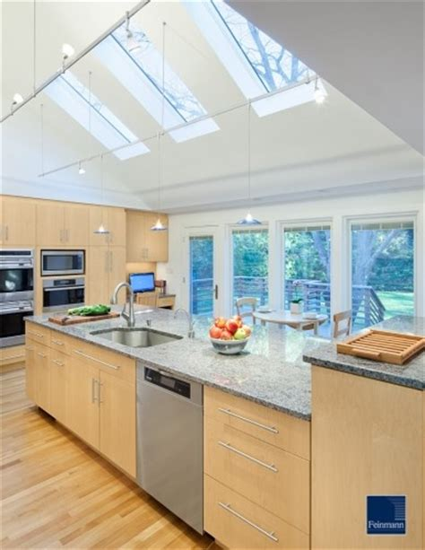 Vaulted Ceiling With Skylights Rooms With Vaulted Ceiling Pintere