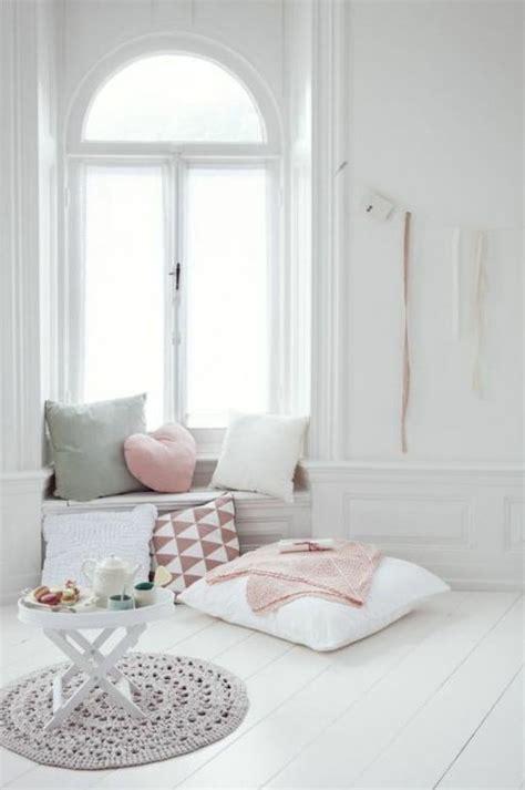 Fensterbank Kissen by 43 Ideen F 252 R Behagliche Sitzecke Auf Der Fensterbank
