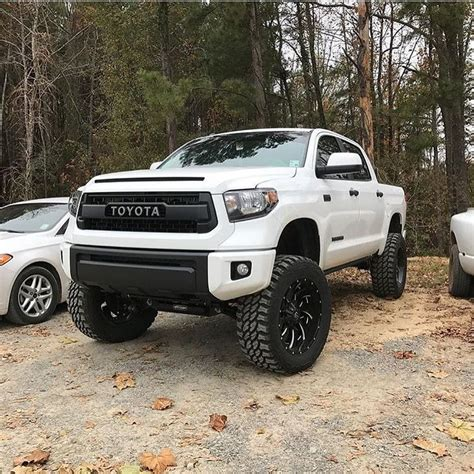 lifted toyota lifted toyota trucks pixshark com images galleries