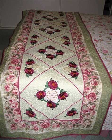 Patchwork Bed Runner Patterns - 190 best images about quilt bed runners scarves foot