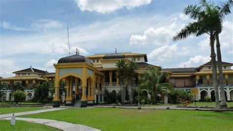 Di Medan wisata di medan tempat wisata kuliner favorit dan peta kota medan sumatera utara wego