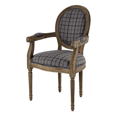 fauteuil cabriolet tissu fauteuil cabriolet en tissu 224 carreaux gris noir louis maisons du monde