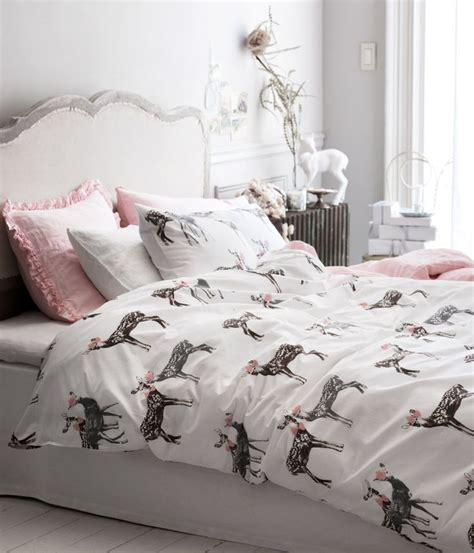 deer in bedroom pin by camila pe 241 aloza on places spaces pinterest