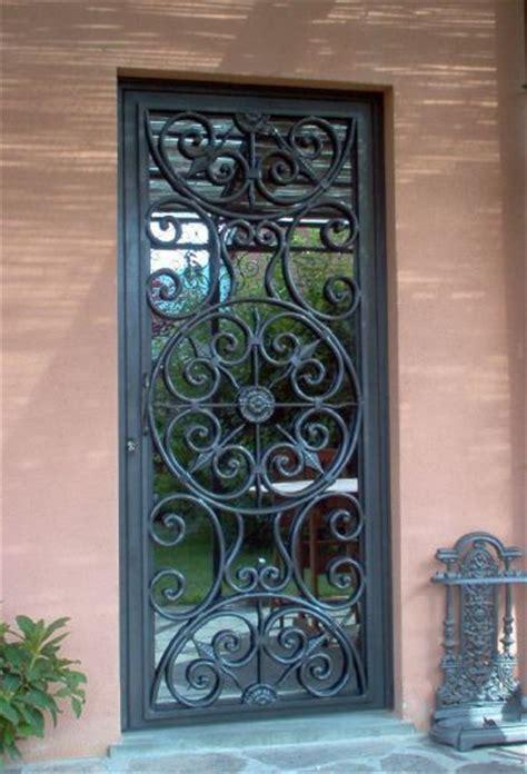 porta da esterno con vetro oltre 25 fantastiche idee su recinzioni in ferro battuto