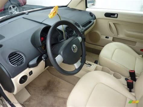 new volkswagen beetle interior cream interior 2006 volkswagen new beetle 2 5 convertible