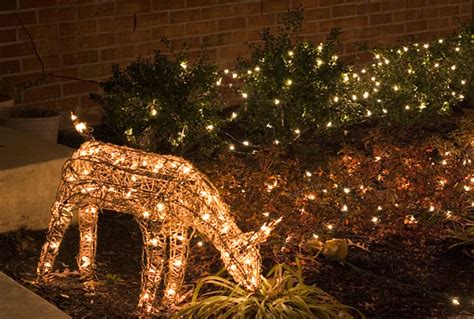 best 28 ways to hang christmas lights outside hanging