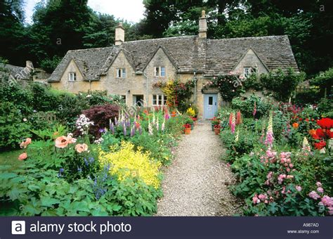 cottage gardens ancient cottages and traditional cottage gardens