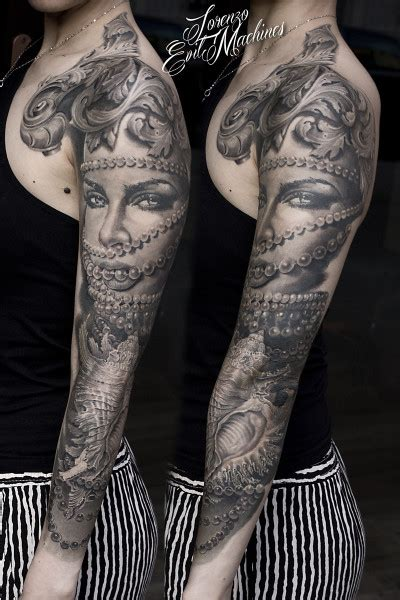 tatuaggio fiori sul braccio tatuaggio realistico sul braccio con perle e ritratto di
