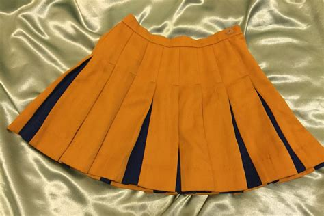 90s pleated cheer mini skirt