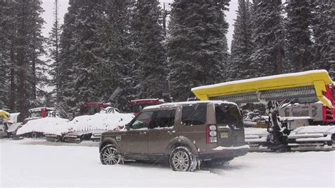 land rover snow 2014 land rover lr4 hse same but different review