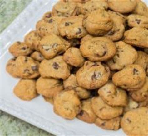 video biskut chip most wally amos chocolate chip macadamia nut cookies watch the