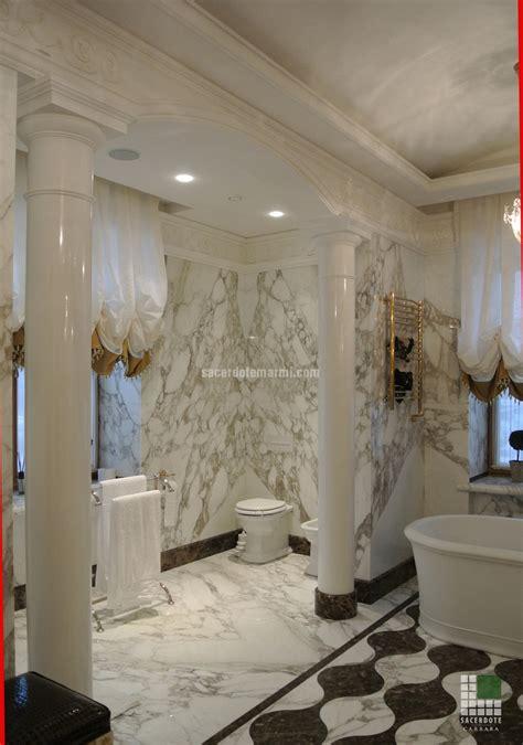 bagno in oro scale bagni e pavimentazione villa s pietroburgo