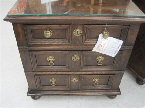 consignment bedroom furniture 1000 images about bedroom furniture on consignment on