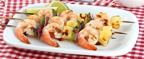 come cucinare spiedini di pesce come cucinare gli spiedini di pesce ricette saporite
