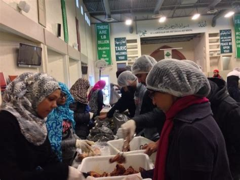 Volunteer At Soup Kitchen Toronto by Taric Mosque Soup Kitchen Serves City S Needy Iqra Ca
