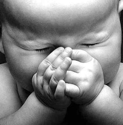 imagenes de bebe orando orando intensamente atos 12 5 jovens marcados