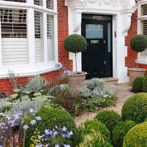 Small Terraced House Front Garden Ideas 17 Best Images About Some Front On Front Doors