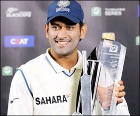 Dhoni Biography In English | indian crickters m s dhoni