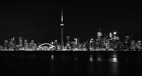 toronto skyline black and white wallpaper toronto at night black and white edit by falcon912 on