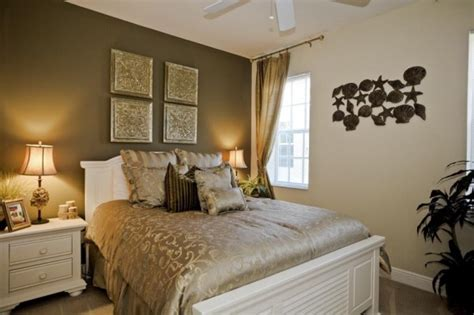 The Perfect Guest Room | how to choose the perfect bed for your guest room