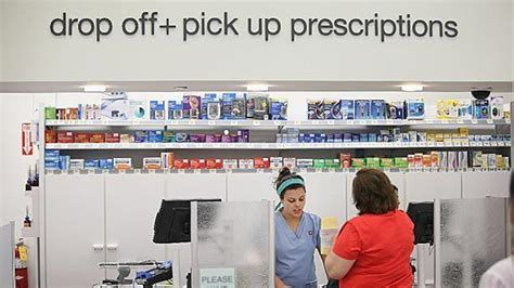 Walgreen Pharmacy Tech by Walgreens Rolls Out Financial Services Card In 3 Markets Tribunedigital Chicagotribune