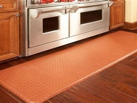 Rug In Kitchen With Hardwood Floor Bloombety Expensive Types Of Washable Kitchen Rugs Benefits Of Washable Kitchen Rugs