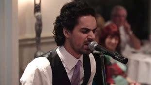 Best man's unusual wedding speech stuns bride and groom