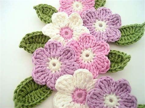 imagenes de flores tejidas a gancho las 25 mejores ideas sobre tutorial de flor ganchillo en