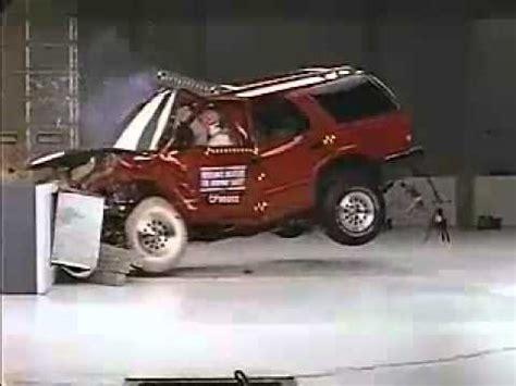 1996 olds bravada youtube crash test 1995 2004 chevrolet blazer 1998 2001 gmc envoy 1995 2001 gmc jimmy 1996 2001