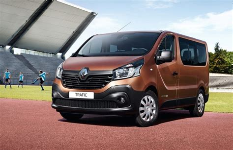renault lease hire rent renault trafic 9 places