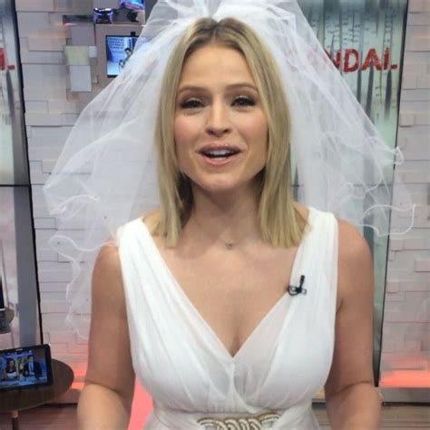 ginger hair on gma want to save on your wedding sara haines has a great tip