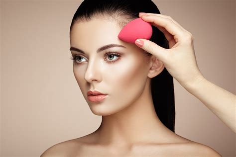 a professional makeup artist to camouflage a scalp scar pro makeup artist must haves for aspiring amateurs beauty iq