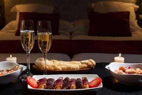 organizzare una serata romantica per san valentino unadonna
