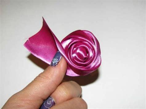 Rosebud Satin Mini how to make a rosebud the ribbon retreat
