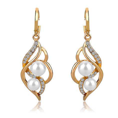 Earrings For by 30 Amazing Womens Pearl Earrings Playzoa