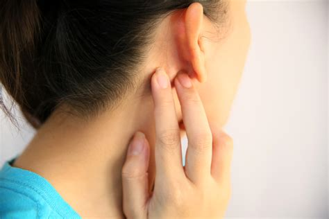itching medicine how to relieve an itchy throat without medicine 4 steps