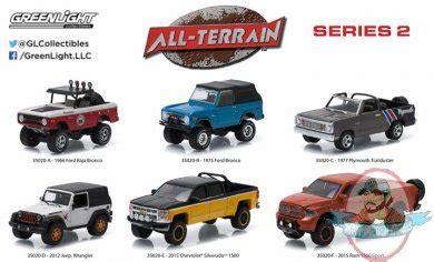Greenlight 164 Seri2 All Terrain2012 Jeep Wrangler 1 64 all terrain series 2 set of 6 greenlight of figures