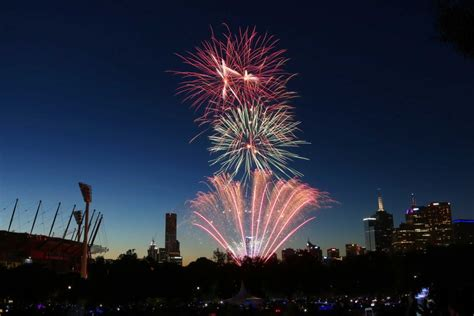 new year fireworks in melbourne the 9 30pm new year s fireworks at yarra park in